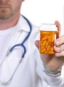medecin-presentant-le-meilleur-produit-pour-maigrir